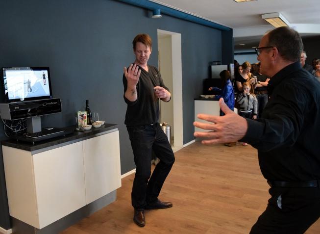 Wethouder Peter Bot ondergaat 3D-scan