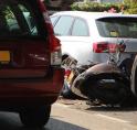 Gewonden bij ongeval met scooter aan Keizer Karelweg