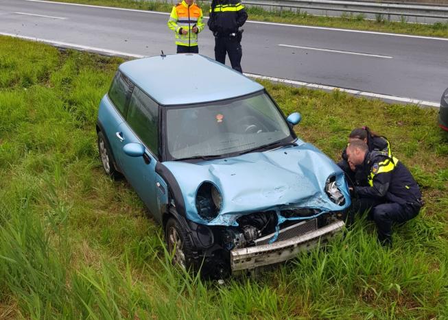 Mini crasht op N201 Amstelveen