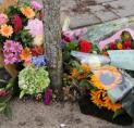 Bloemen op plek vermoorde advocaat