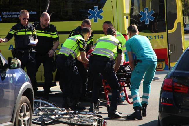 Ernstig ongeval Keizer Karelweg; fietser geschept