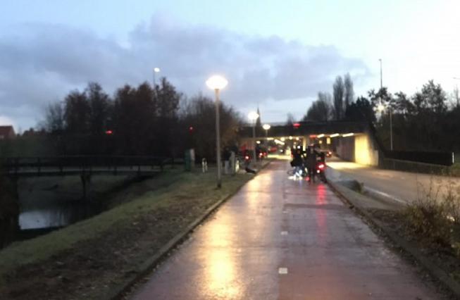 Fietsers verrast door gladheid: glijpartijen in Amstelveen