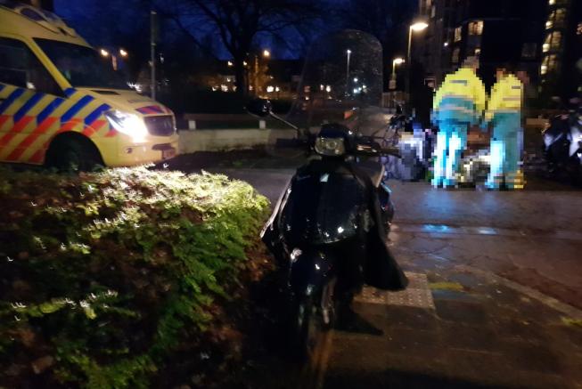 Scooters botsen in Waardhuizen