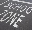 Toenemende verkeersdrukte bij scholen: Amstelveen grijpt in