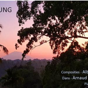 Gunung Agung - Piano en dans