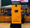 Babbelbox Man Bijt Hond in Stadshart Amstelveen