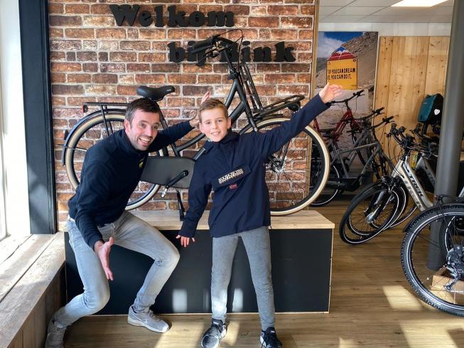 AmstelveenZ Instagram-actie: Mats wint nieuwe Cortina-fiets van BINK