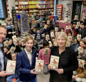 Alle leerlingen van Groep 8 in Amstelveen krijgen 'Koning van Katoren' cadeau