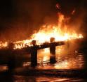 Steiger bij de Amstelveense Poel in vlammen op