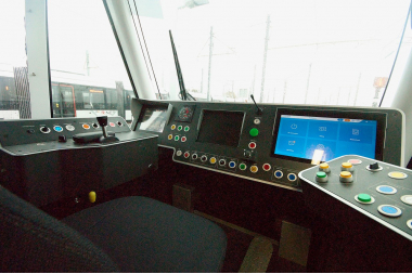 cockpit_tram25_neeter_nog.jpg