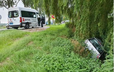 112_bovenkerkerweg_ongeval_taxi_auto_dprf.jpg
