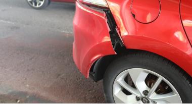 auto_112_amsteldijk_beschadigd.jpg