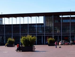 Clairy Polak te gast in bibliotheek Stadsplein