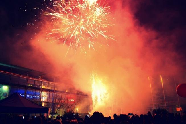 Vuurwerkshow op Stadsplein tijdens Koningsnacht