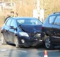 Drie auto's in de kreukels bij aanrijding op Beneluxbaan