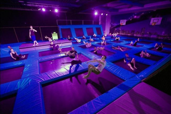 'Springen voor Sint-Maarten' bij Fun Center Amstelveen