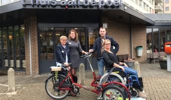 Van Rietschoten verblijdt verzorgingshuizen met speciale fietsen