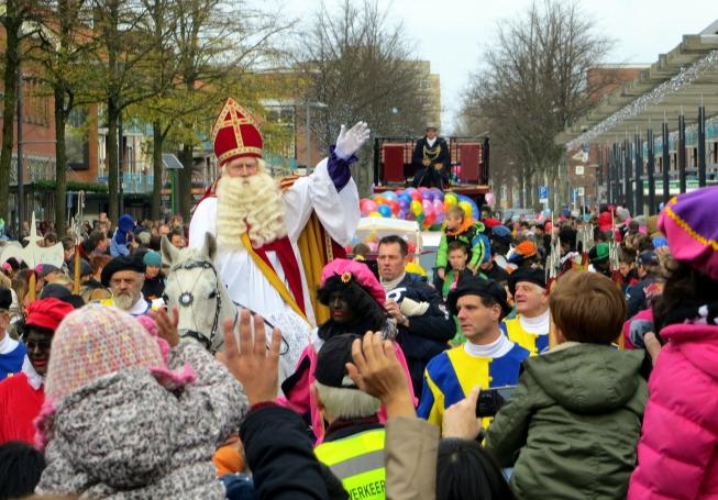 Demonstratie tegen Zwarte Piet op Stadsplein