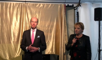 Burgemeester Eenhoorn opent nieuwe Klaasje Zevenster