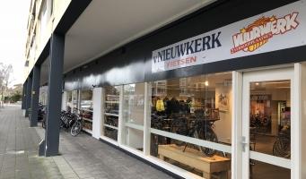 Van Nieuwkerk stopt als fietsdealer; door met scooters & vuurwerk