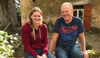 Amstelveense exen kopen vervallen boerderij in Ik Vertrek