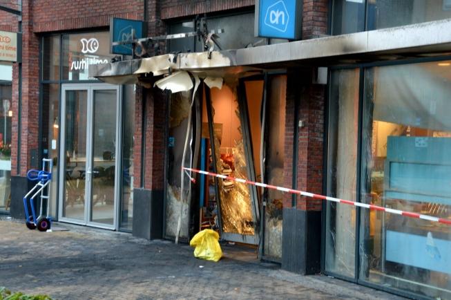 Politie zoekt getuigen van ramkraak Albert Heijn Westwijkplein