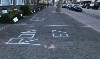 Het afplakken voor Koningsdag in Amstelveen is begonnen