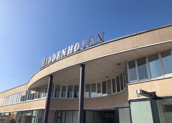 Plan voor nieuwe appartementen boven winkelcentrum Middenhoven