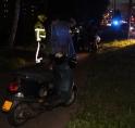 Scooter botst op vrouw met kinderwagen