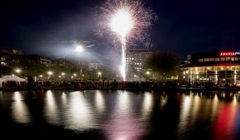 Honderden Amstelveners komen af op vuurwerkshow