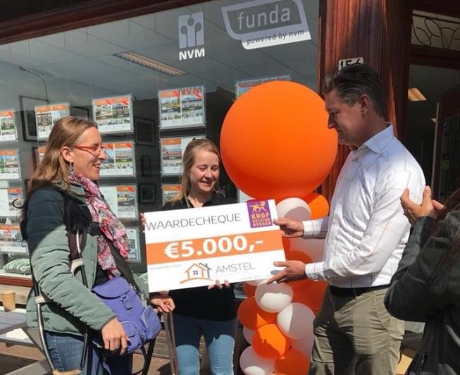 Amstel Makelaardij schenkt 5.000 euro aan KNGF