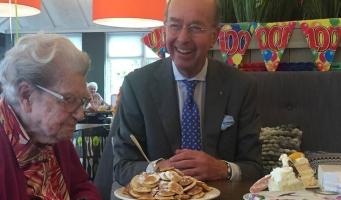 Felicitaties voor oudste bewoner Nieuw-Vredeveld (100!)