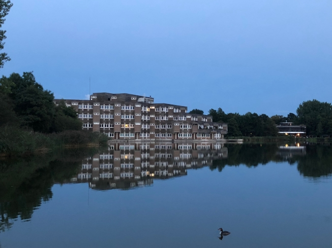 Raadhuis Amstelveen deels plat door grote KPN-storing