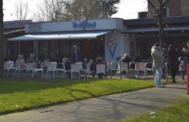 IJssalon Da Vinci blijft langer open