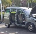 Auto opengereten na aanrijding met vrachtwagen