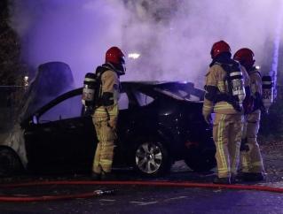 Gestolen auto in vlammen op in Oude Dorp