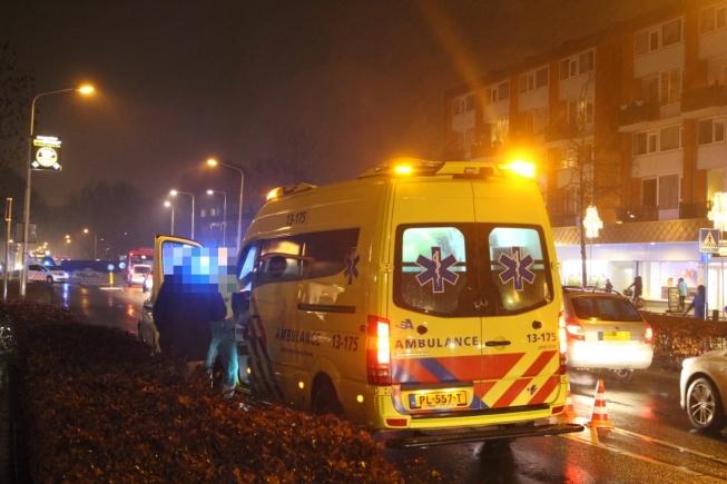 Vrouw aangereden op zebrapad Van der Hooplaan