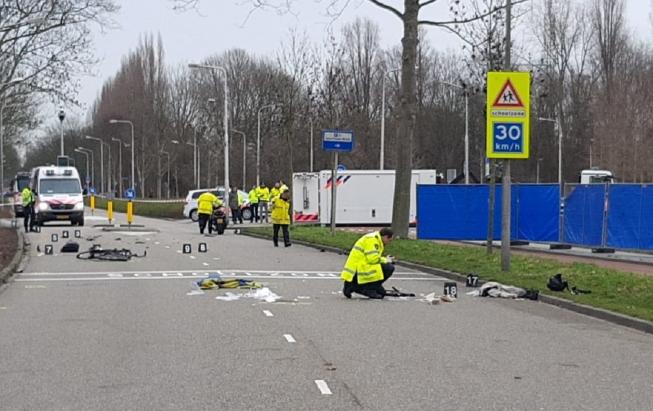 Maatregelen bij oversteek & parkeerplaats aan Sportlaan