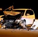 Taxi's total loss bij nachtelijke klapper op Beneluxbaan