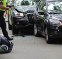 Scooter en auto's betrokken bij aanrijding Handweg