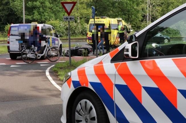 Scooter aangereden bij afslag Beneluxbaan