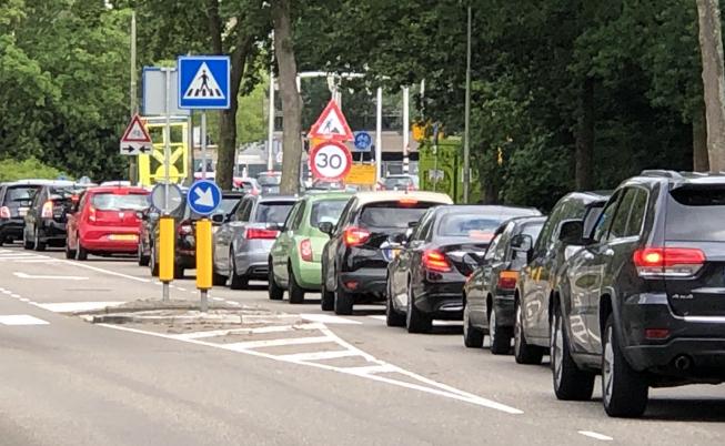 Drukte op lokale wegen door afsluitingen Beneluxbaan