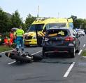 Ernstig ongeval: motorrijder klapt op auto